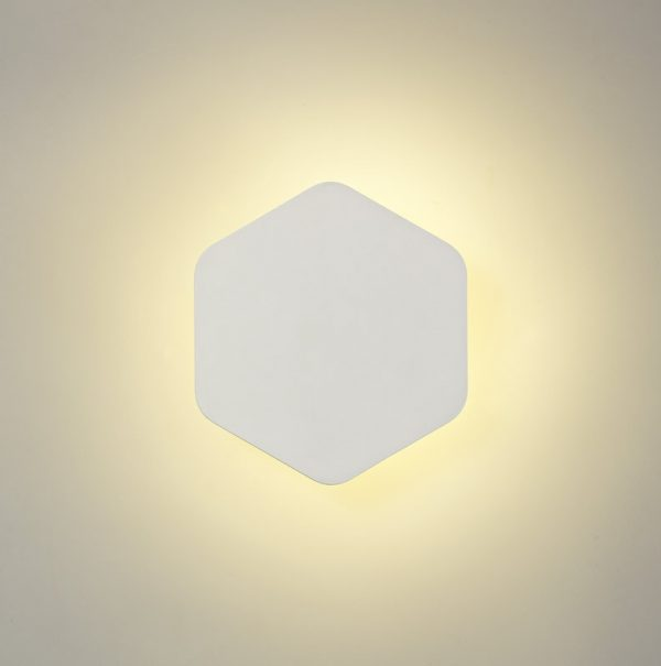 Lichfield Lighting Maxwell Magnetic Base Wall Lamp, 12W LED 3000K 498lm, 15cm Vertical Hexagonal, Sand White photo 1